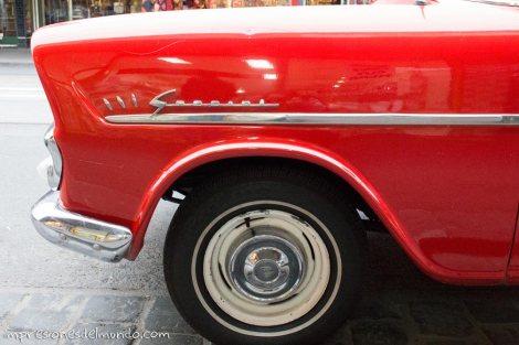 coche-rojo-impresiones-del-mundo