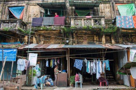 edificio-en-Bago-Myanmar-impresiones-del-mundo