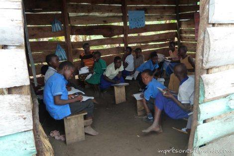 escuela-Uganda-impresiones-del-mundo