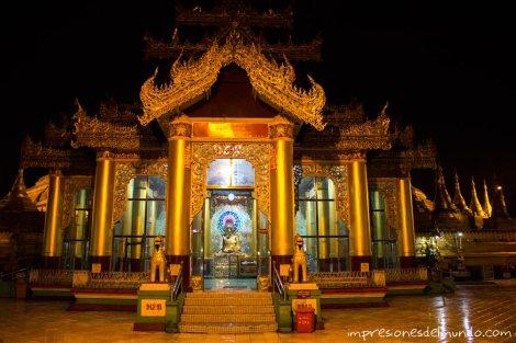 interior-de-Pagoda-Bago-Myanmar-impresiones-del-mundo