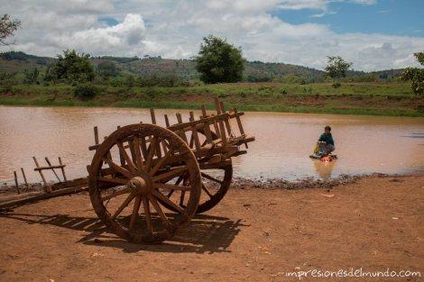mujer-y-carro-Myanmar