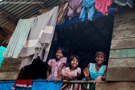 nenas-asomadas-Bago-Myanmar-impresiones-del-mundo