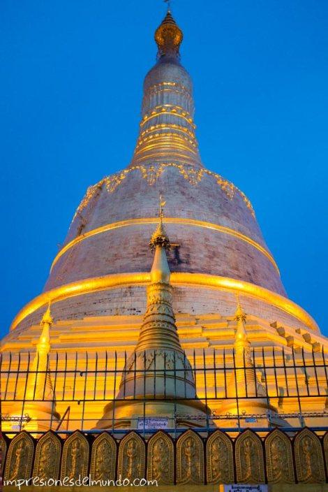 pagoda-dorada-Bago-Myanmar-impresiones-del-mundo