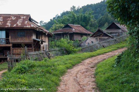 poblado-Myanmar