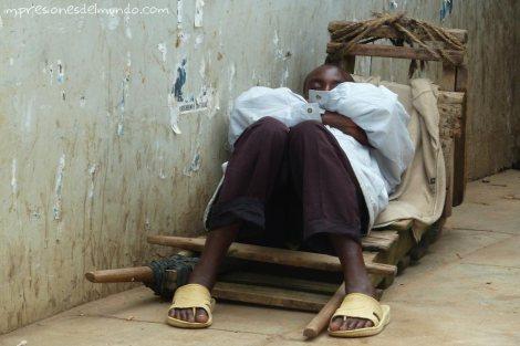 siesta-Uganda-impresiones-del-mundo