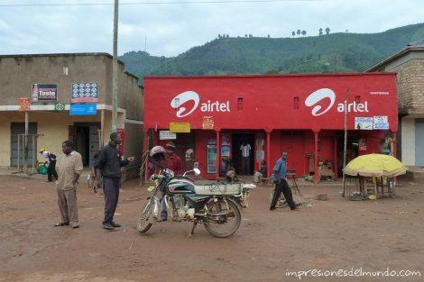 tienda-Airtel-Uganda-impresiones-del-mundo