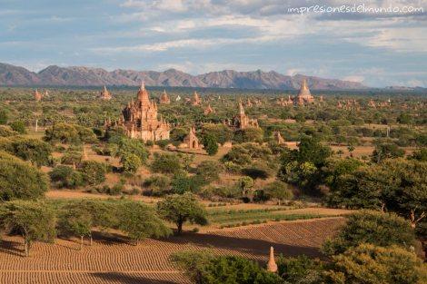 vista-general-Bagan-Myanmar-impresiones-del-mundo