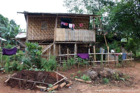 casa-de-bambu-Myanmar-Birmania-impresiones-del-mundo