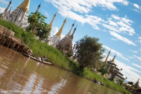 mujeres-en-barca-Myanmar-Birmania-impresiones-del-mundo