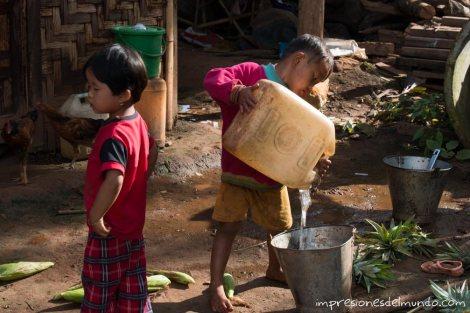 nenes-Myanmar-Birmania-impresiones-del-mundo