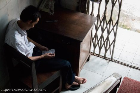 porteria-Myanmar-Birmania-impresiones-del-mundo