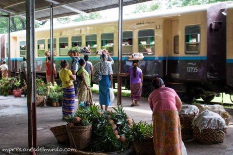 trenes-Myanmar-Birmania-impresiones-del-mundo