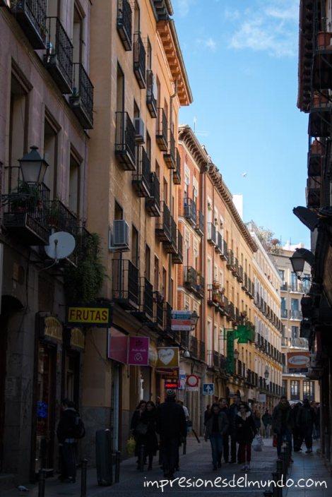 calle-del-centro-Madrid-impresiones-del-mundo