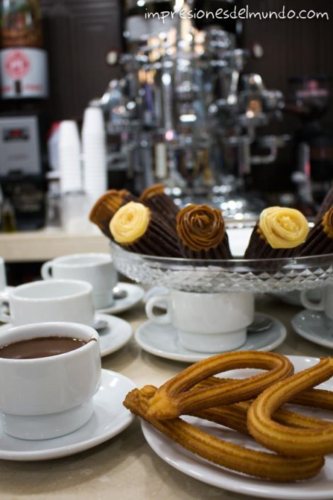 chocolate-con-churros-Madrid-impresiones-del-mundo