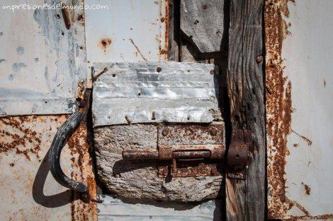 cierre-puerta-pueblos-de-Espana-impresiones-del-mundo