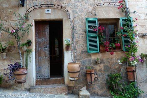 fachada-de-casa-pueblos-de-Espana-impresiones-del-mundo