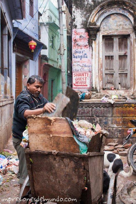 recogedor-de-basura-India-impresiones-del-mundo