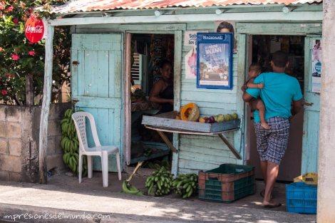 Colmadito-Cabrera-Republica-Dominicana-impresiones-del-mundo