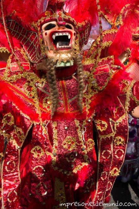 disfraz-3-carnaval-de-la-Vega-republica-dominicana-impresiones-del-mundo