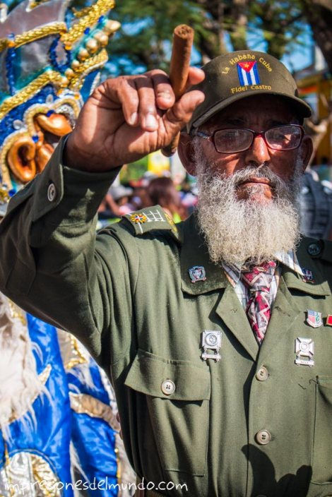 fidel-castro-carnaval-de-la-Vega-republica-dominicana-impresiones-del-mundo