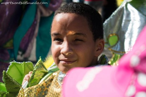 nene-disfrazado-carnaval-de-la-Vega-republica-dominicana-impresiones-del-mundo