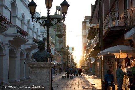 calle-El-Conde-Santo-Domingo-impresiones-del-mundo