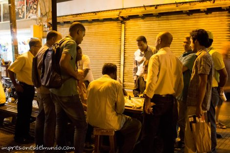 jugando-al-ajedrez-Santo-Domingo-impresiones-del-mundo