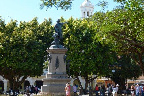 Parque-Colon-Santo-Domingo-impresiones-del-mundo