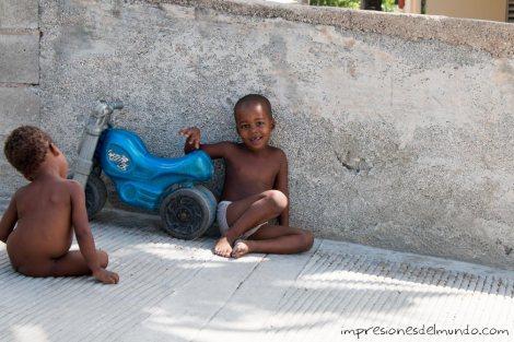 nene-en-playa-Los-Patos-republica-dominicana-impresiones-del-mundo