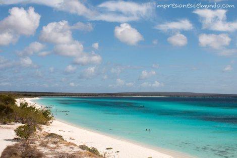 vista-2-bahia-de-las-aguilas-republica-dominicana-impresiones-del-mundo