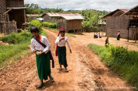 estudiantes-myanmar-impresiones-del-mundo