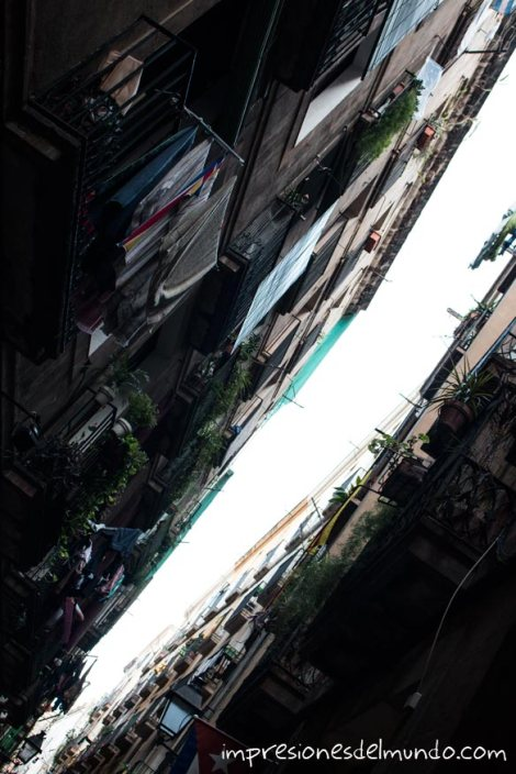 El-raval-en-diagonal-barcelona-impresiones-del-mundo