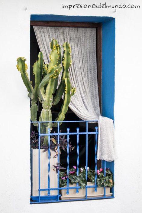 ventana-Peñíscola-impresiones-del-mundo