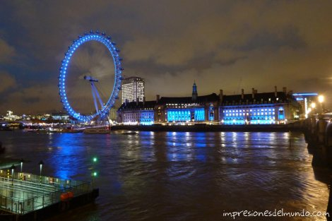 London-Eye-de-noche-impresiones-del-mundo