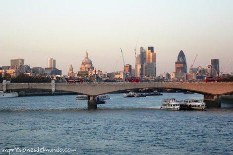 Thamesis-y-vistas-a-la-City-impresiones-del-mundo