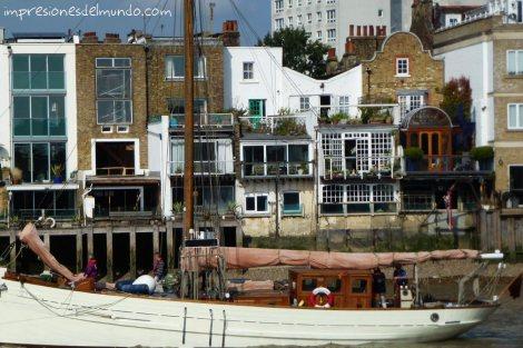 casas-y-thamesis-Londres-impresiones-del-mundo