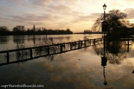 Thames-inundado-Londres-impresiones-del-mundo