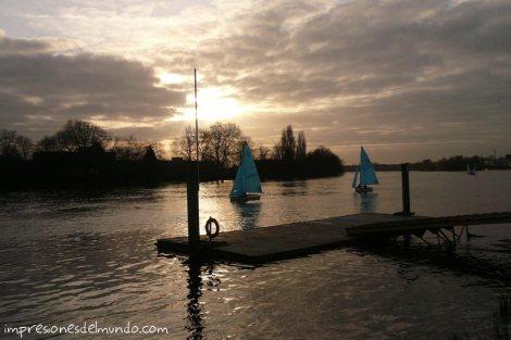 Thames-y-barcos-Hammersmith-Londres-impresiones-del-mundo
